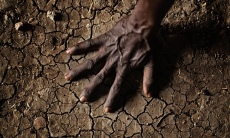 MDG--Parched-soil-in-the--014
